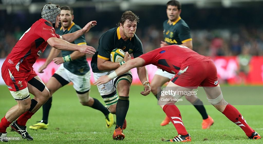 Duane Vermeulen of South Africa looks to hold off Alun Wyn Jones (captain) during the Incoming Tour match between South Africa and Wales at Growthpoint Kings Park on June 14, 2014 in Durban, South Africa.