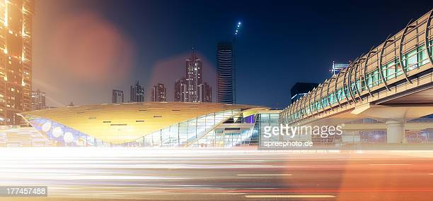 Dubai traffic with lightstream