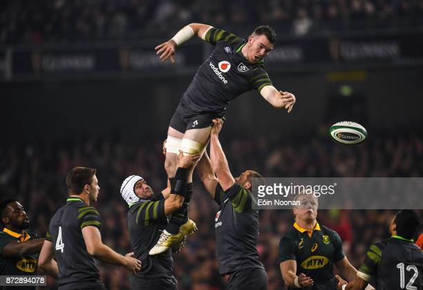 Dublin Ireland 11 November 2017 Peter O'Mahony of Ireland offloads to Bundee Aki of Ireland after winning a lineout during the Guinness Series...