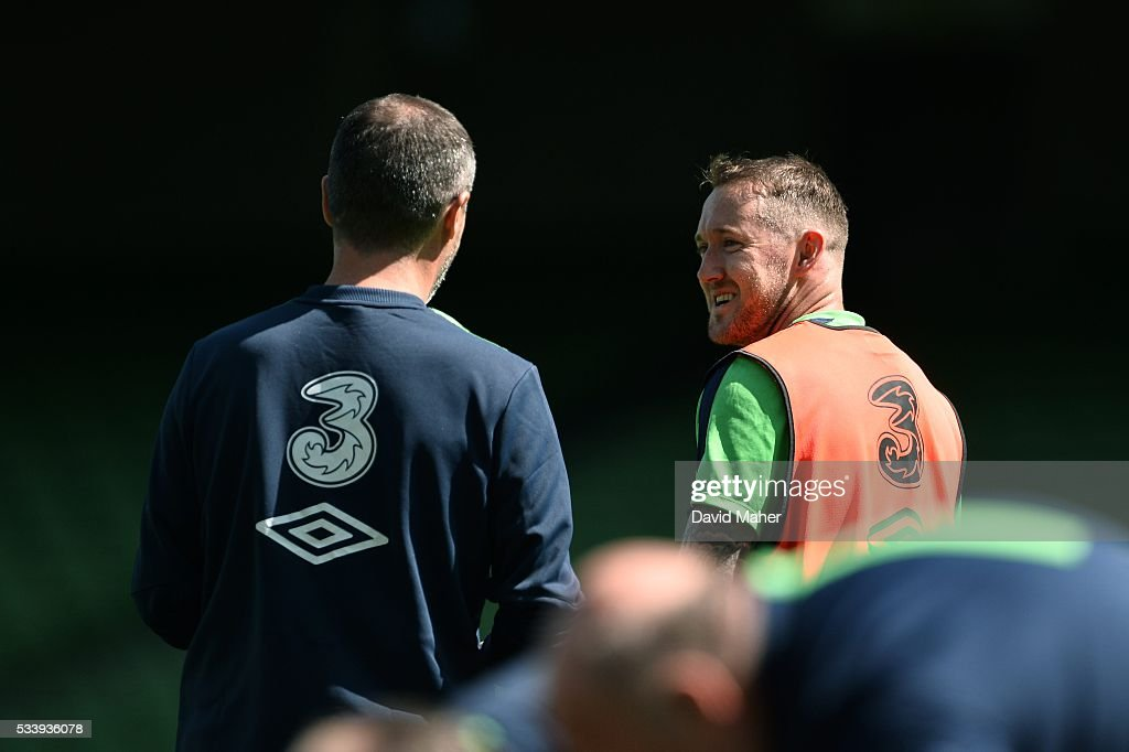 Dublin , Ireland - 24 May 2016; <a gi-track='captionPersonalityLinkClicked' href=/galleries/search?phrase=Aiden+McGeady&family=editorial&specificpeople=713430 ng-click='$event.stopPropagation()'>Aiden McGeady</a>, right, of the Republic of Ireland with assistant manager <a gi-track='captionPersonalityLinkClicked' href=/galleries/search?phrase=Roy+Keane&family=editorial&specificpeople=171835 ng-click='$event.stopPropagation()'>Roy Keane</a> during squad training in the Aviva Stadium, Lansdowne Road, Dublin.