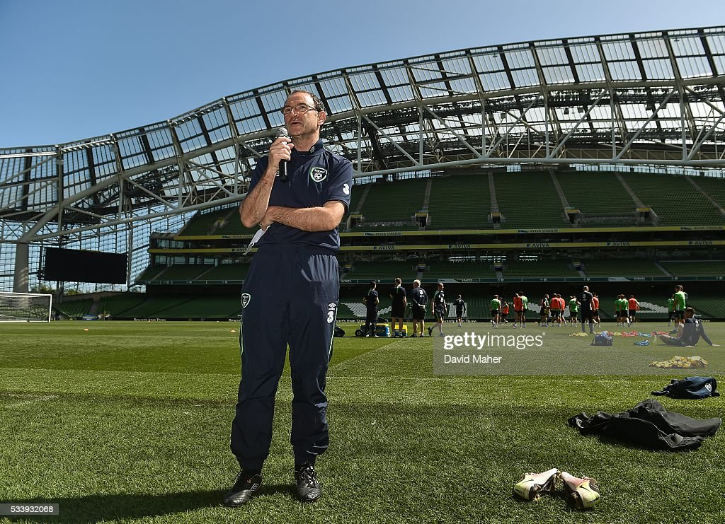 Dublin , Ireland - 24 May 2016; Republic of Ireland manager <a gi-track='captionPersonalityLinkClicked' href=/galleries/search?phrase=Martin+O%27Neill&family=editorial&specificpeople=201190 ng-click='$event.stopPropagation()'>Martin O'Neill</a> speaks to the crowd after squad training in the Aviva Stadium, Lansdowne Road, Dublin.