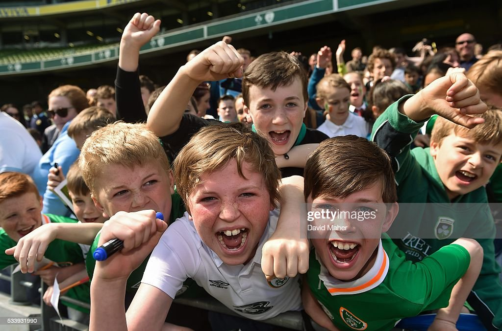 Dublin , Ireland - 24 May 2016; Republic of Ireland supporters during squad training in the Aviva Stadium, Lansdowne Road, Dublin.