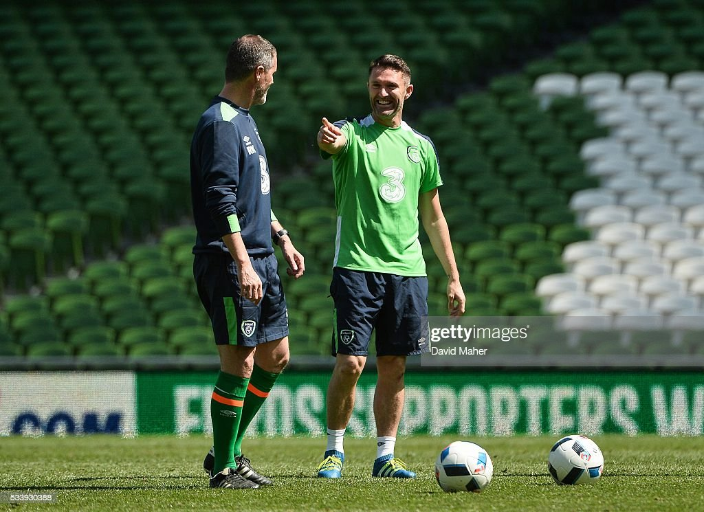 Dublin , Ireland - 24 May 2016; The Republic of Ireland assistant manager <a gi-track='captionPersonalityLinkClicked' href=/galleries/search?phrase=Roy+Keane&family=editorial&specificpeople=171835 ng-click='$event.stopPropagation()'>Roy Keane</a>, left, with <a gi-track='captionPersonalityLinkClicked' href=/galleries/search?phrase=Robbie+Keane&family=editorial&specificpeople=171824 ng-click='$event.stopPropagation()'>Robbie Keane</a> during squad training in the Aviva Stadium, Lansdowne Road, Dublin.