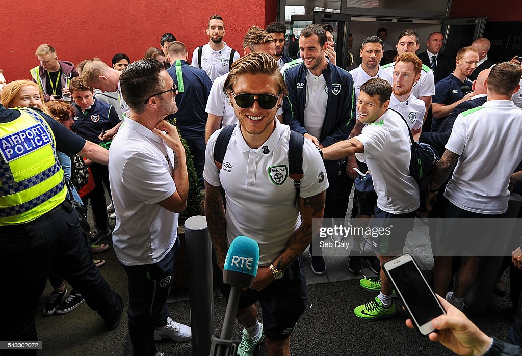 Dublin , Ireland - 27 June 2016; <a gi-track='captionPersonalityLinkClicked' href=/galleries/search?phrase=Jeff+Hendrick+-+Soccer+Player&family=editorial&specificpeople=15923342 ng-click='$event.stopPropagation()'>Jeff Hendrick</a> of Republic of Ireland talks to the press during their return from UEFA Euro 2016 in France at Dublin Airport, Dublin.