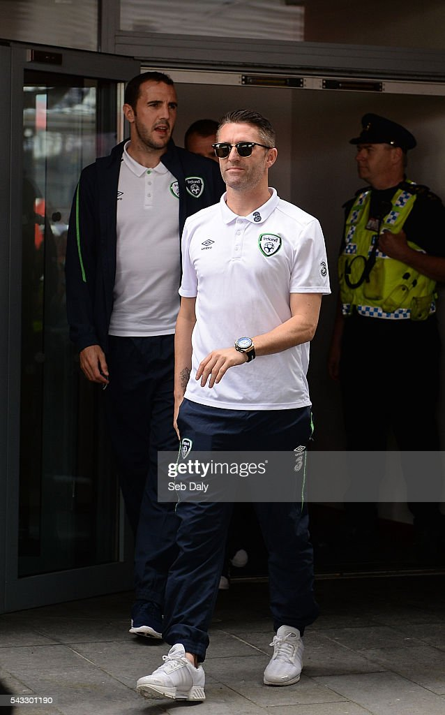 Dublin , Ireland - 27 June 2016; <a gi-track='captionPersonalityLinkClicked' href=/galleries/search?phrase=Robbie+Keane&family=editorial&specificpeople=171824 ng-click='$event.stopPropagation()'>Robbie Keane</a> of Republic of Ireland arrives to talk to supporters during their return from UEFA Euro 2016 in France at Dublin Airport, Dublin.