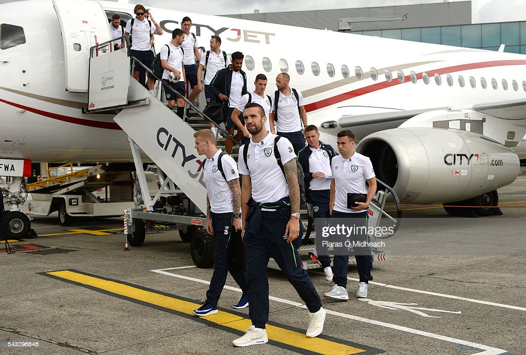 Dublin , Ireland - 27 June 2016; The Republic of Ireland squad including <a gi-track='captionPersonalityLinkClicked' href=/galleries/search?phrase=Shane+Duffy+-+Soccer+Player&family=editorial&specificpeople=16068436 ng-click='$event.stopPropagation()'>Shane Duffy</a>, front, on their arrival back from UEFA Euro 2016 on CityJet's new Superjet. CityJet is the official partner to the FAI. Dublin Airport, Dublin.