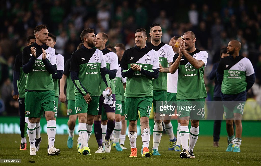 Dublin , Ireland - 27 May 2016; Republic of Ireland players applaud the crowed during a lap of honour following the 3 International Friendly between Republic of Ireland and Netherlands in the Aviva Stadium, Lansdowne Road, Dublin.