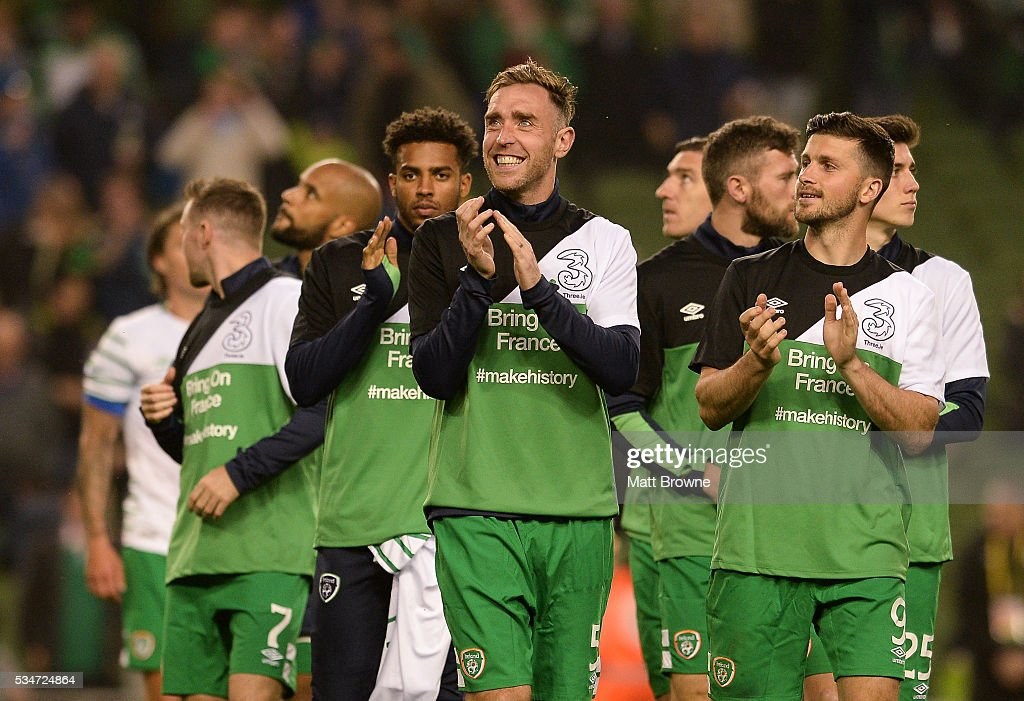 Dublin , Ireland - 27 May 2016; Republic of Ireland players Richard Kehoe and <a gi-track='captionPersonalityLinkClicked' href=/galleries/search?phrase=Shane+Long&family=editorial&specificpeople=661194 ng-click='$event.stopPropagation()'>Shane Long</a> with their team-mates during a lap of honor on the pitch after the game against the Netherlands during the 3 International Friendly between Republic of Ireland and Netherlands in the Aviva Stadium, Lansdowne Road, Dublin.