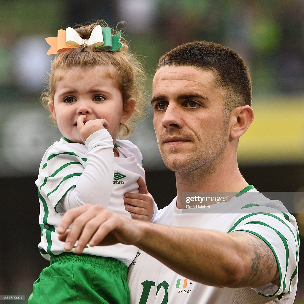 Dublin , Ireland - 27 May 2016; Robbie Brady of Republic of Ireland with his daughter Halle before the 3 International Friendly between Republic of Ireland and Netherlands in the Aviva Stadium, Lansdowne Road, Dublin.