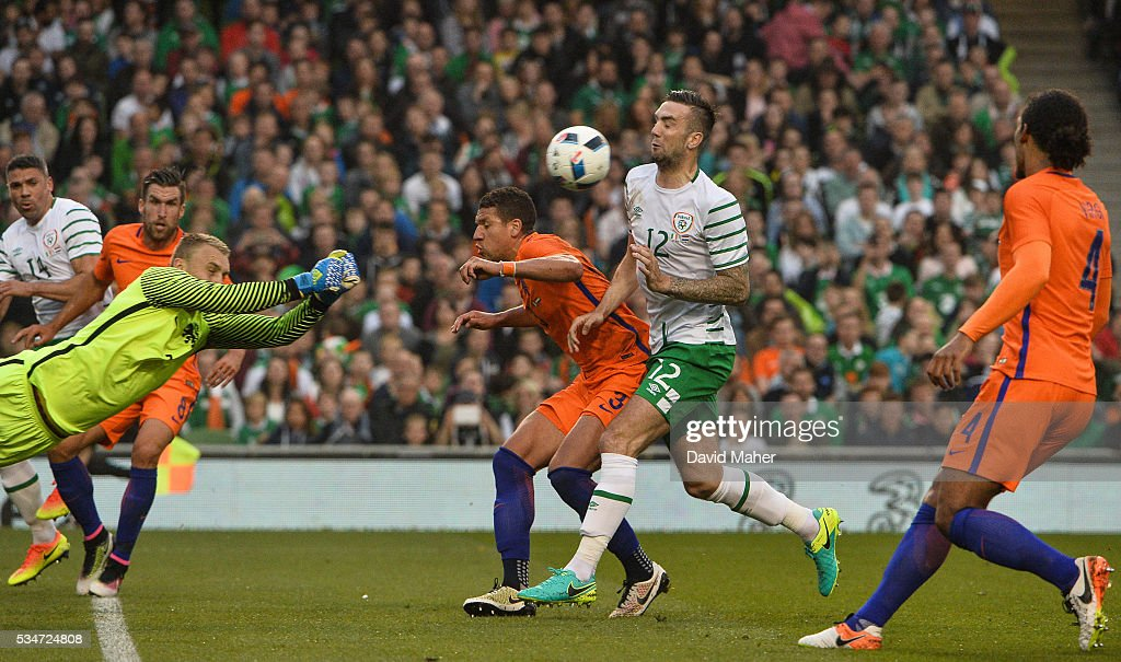 Dublin , Ireland - 27 May 2016; Shane Duffy of Republic of Ireland in action against <a gi-track='captionPersonalityLinkClicked' href=/galleries/search?phrase=Jeffrey+Bruma&family=editorial&specificpeople=4508935 ng-click='$event.stopPropagation()'>Jeffrey Bruma</a> of Netherlands during the 3 International Friendly between Republic of Ireland and Netherlands in the Aviva Stadium, Lansdowne Road, Dublin.