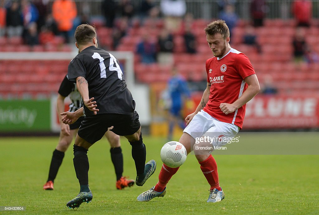 Dublin , Ireland - 28 June 2016; David Cawley, right, of St. Patrick's Athletic in action against Giancarlo Pinna of AS Jeunesse Esch during the UEFA Europa League First Qualifying Round 1st Leg game between St. Patrick's Athletic and AS Jeunesse Esch at Richmond Park in Dublin.