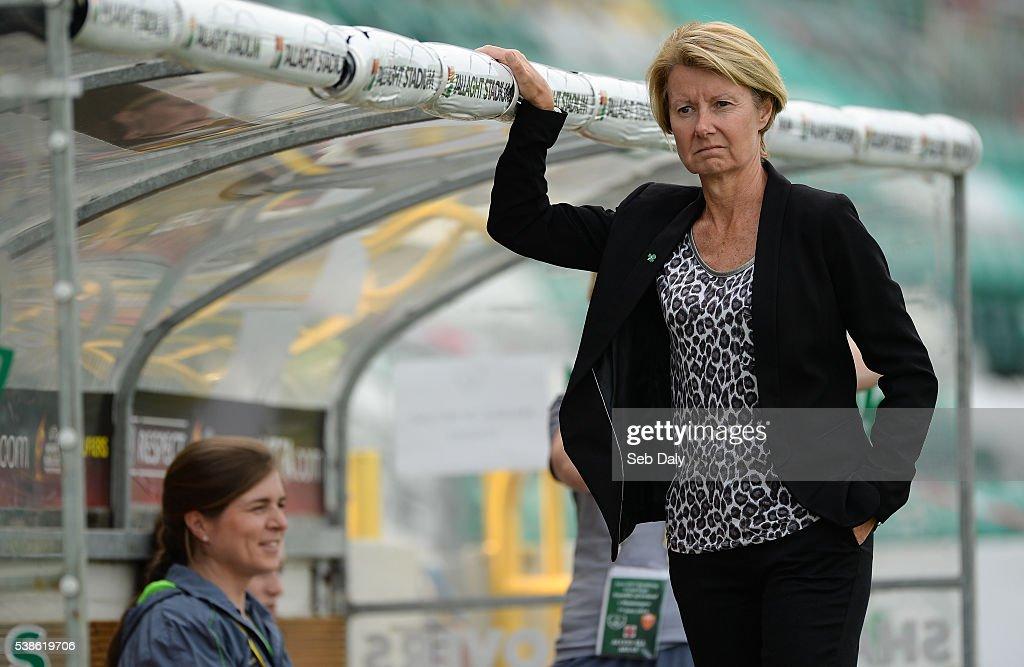 Dublin , Ireland - 7 June 2016; Republic of Ireland manager Susan Ronan before the Women's 2017 European Championship Qualifier between Republic of Ireland and Montenegro in Tallaght Stadium, Tallaght, Co. Dublin.