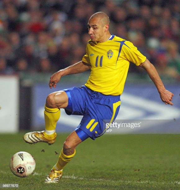 Henrik Larsson of Sweden attempts a shot on goal during their friendly football match against Ireland at Lansdowne Road stadium 01 March 2006 in...