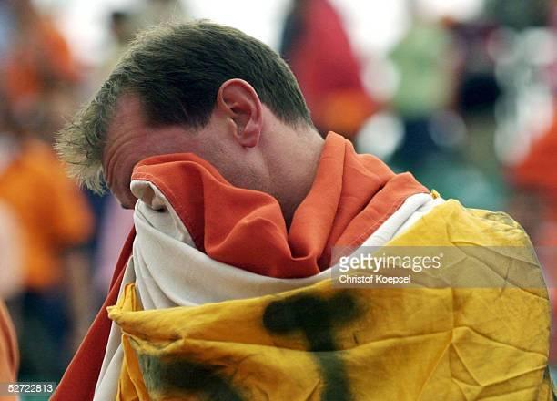 QUALIFIKATION 2002 Dublin IRLAND NIEDERLANDE 10 Fan Holland enttaeuscht