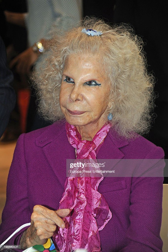 Duchess of Alba <a gi-track='captionPersonalityLinkClicked' href=/galleries/search?phrase=Cayetana+Fitz-James+Stuart&family=editorial&specificpeople=6090682 ng-click='$event.stopPropagation()'>Cayetana Fitz-James Stuart</a> attends 'SICAB 2012' exhibition on November 22, 2012 in Seville, Spain.