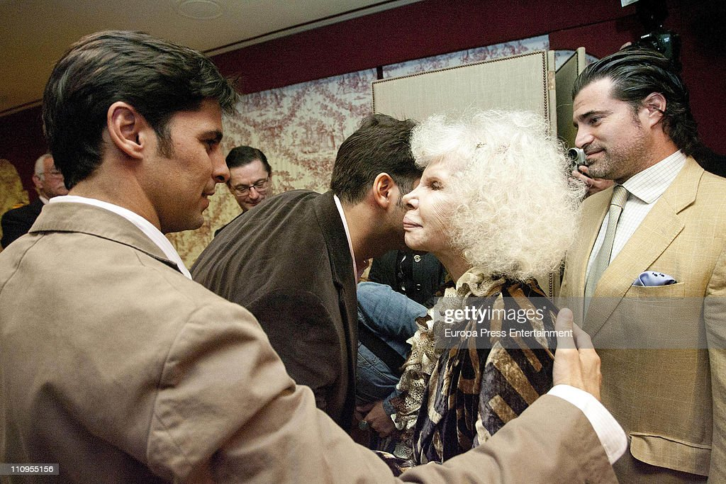 Duchess of Alba, <a gi-track='captionPersonalityLinkClicked' href=/galleries/search?phrase=Cayetana+Fitz-James+Stuart&family=editorial&specificpeople=6090682 ng-click='$event.stopPropagation()'>Cayetana Fitz-James Stuart</a>, Francisco Rivera (L) and Julian Contreras jr (2L) attend the release of the book 'De Rivera a Ordonez', written by Julian Contreras Jr, at Antares Foundation on March 22, 2011 in Seville, Spain.
