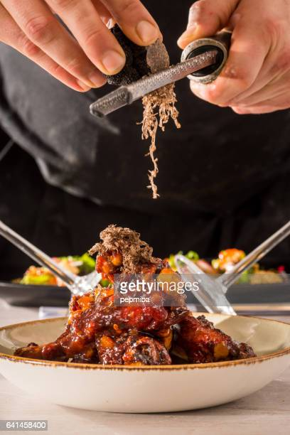 Duck wings and black truffle