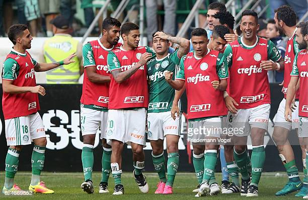 Dudu of Palmeiras celebrates scoring the first goal with his team during the match between Palmeiras and Botafogo for the Brazilian Series A 2016 at...