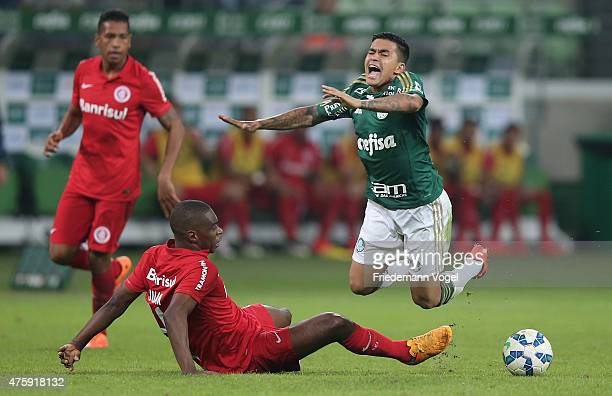 Dudu of Palmeiras fights for the ball with Juan of Internacional during the match between Palmeiras and Internacional for the Brazilian Series A 2015...