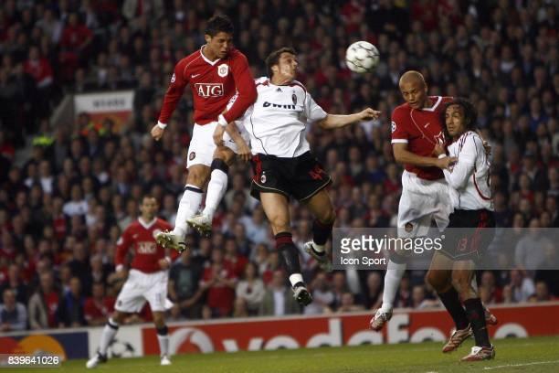 Duel Cristiano RONALDO / ODDO Manchester united / Milan AC 1/2 Finale CHampions League 2006/2007