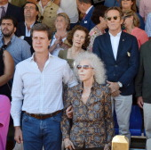 Dukes of Alba Cayetana FitzJames Stuart and Alfonso Diez and her son Cayetano Martinez de Irujo are seen at a horse show on October 7 2012 in Seville...
