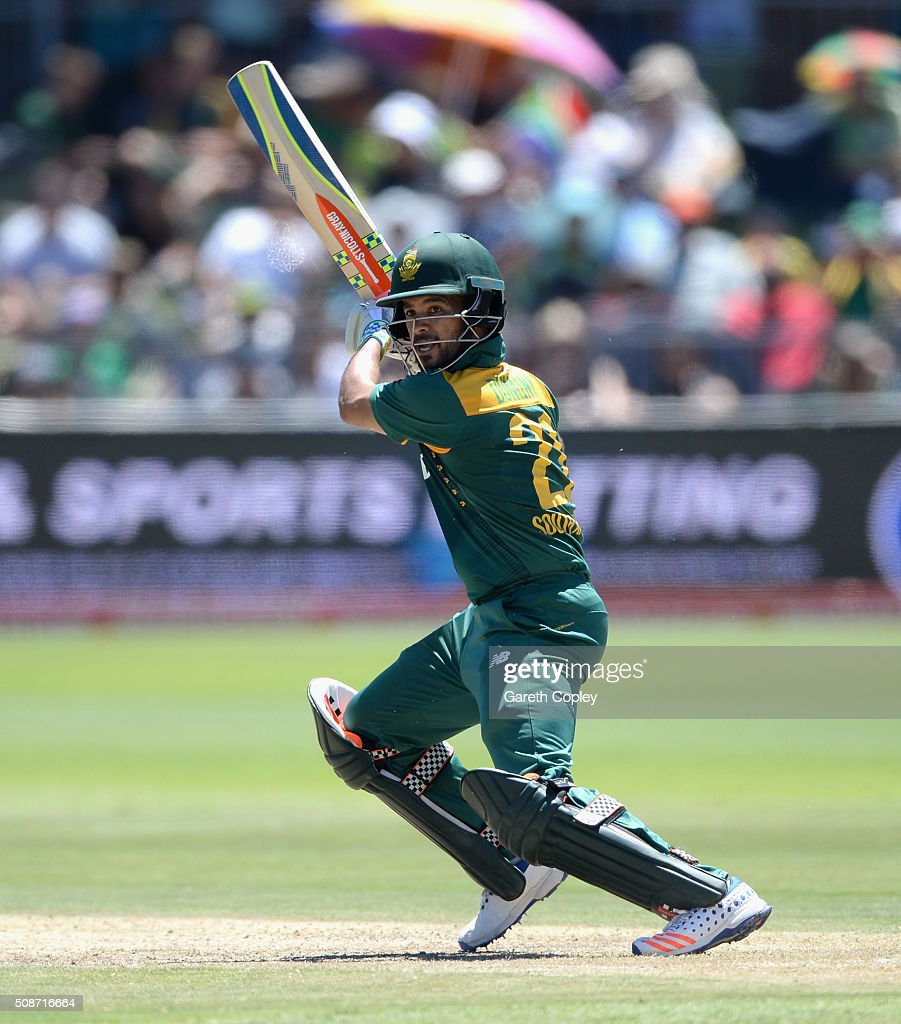 Duminy of South Africa bats during the 2nd Momentum ODI between South Africa and England at St George's Park on February 6, 2016 in Port Elizabeth, South Africa.