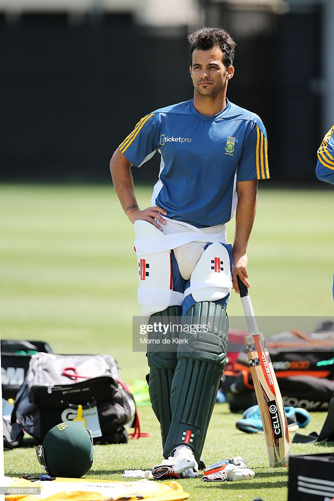 <a gi-track='captionPersonalityLinkClicked' href=/galleries/search?phrase=JP+Duminy&family=editorial&specificpeople=3640895 ng-click='$event.stopPropagation()'>JP Duminy</a> of South Africa waits to bat during a South African T20 training session at Adelaide Oval on November 4, 2014 in Adelaide, Australia.