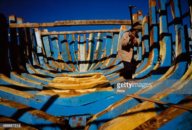 1996 Dumyat Egypt Construction of a fishing boat in the city of Dumyat with a millennial tradition for fishing and woodworking This artisan uses the...