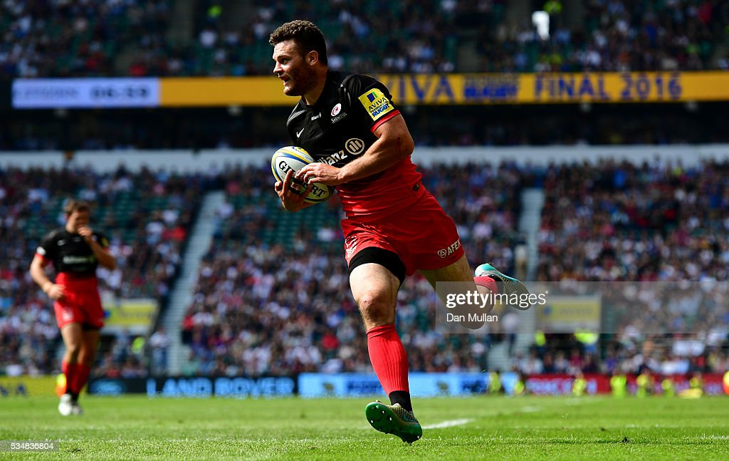 Duncan Taylor of Saracens scores his team's first try during the Aviva Premiership final match between Saracens and Exeter Chiefs at Twickenham Stadium on May 28, 2016 in London, England.