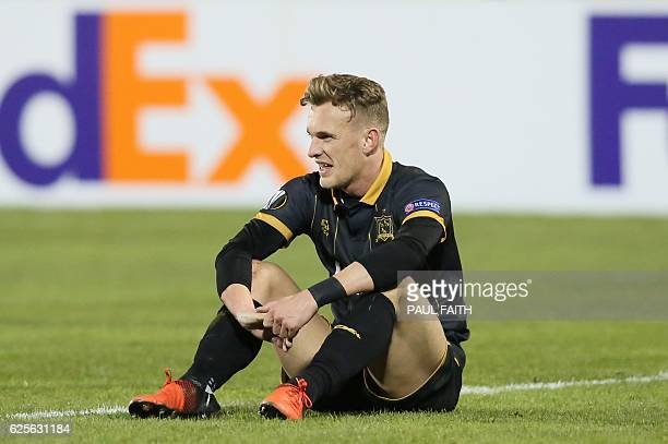 Dundalk's Northern Irish midfielder Dean Shiels reacts at the end of the UEFA Europa League group D football match between Dundalk and AZ Alkmaar at...