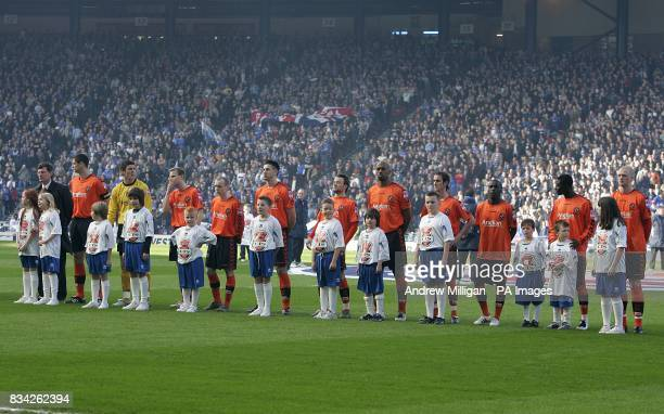 Dundee United line up before the game
