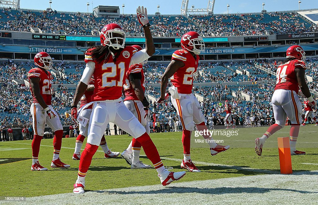 <a gi-track='captionPersonalityLinkClicked' href=/galleries/search?phrase=Dunta+Robinson&family=editorial&specificpeople=182498 ng-click='$event.stopPropagation()'>Dunta Robinson</a> #21 of the Kansas City Chiefs waves to fans leaving the stadium during a game against the Jacksonville Jaguars at EverBank Field on September 8, 2013 in Jacksonville, Florida.