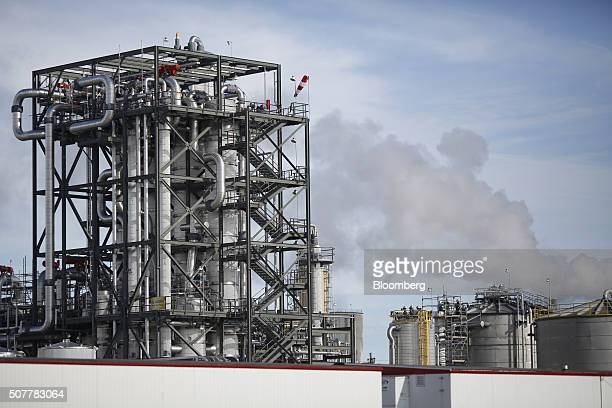 A DuPont ethanol plant stands in Nevada Iowa US on Saturday Jan 30 2016 As the first in the nation Iowa caucuses approaches where registering your...