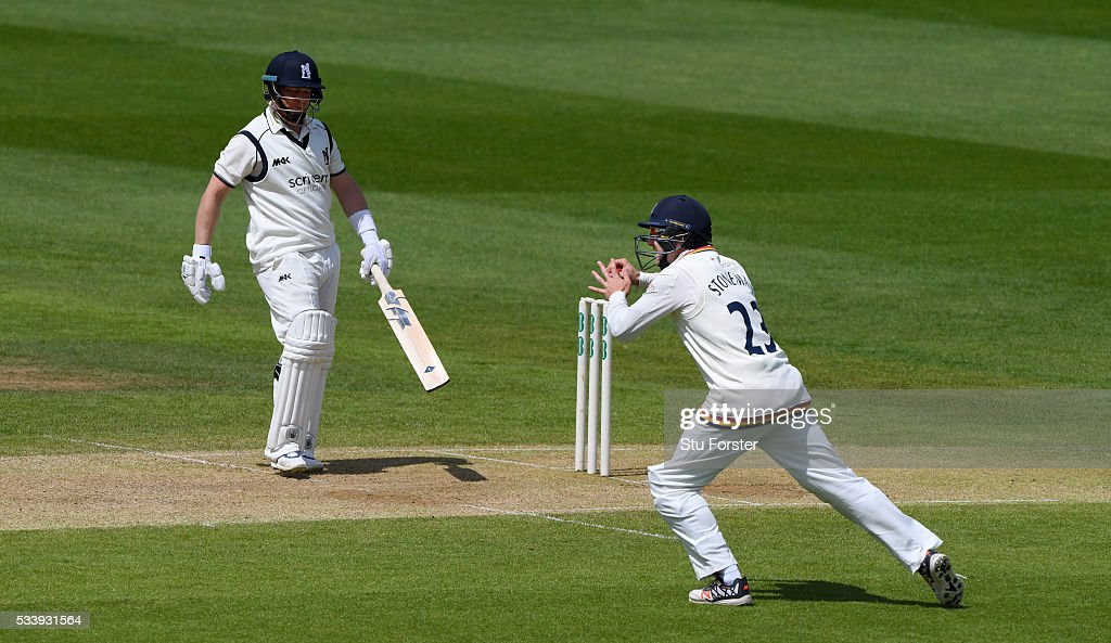 Durham fielder <a gi-track='captionPersonalityLinkClicked' href=/galleries/search?phrase=Mark+Stoneman&family=editorial&specificpeople=691138 ng-click='$event.stopPropagation()'>Mark Stoneman</a> catches out Warwickshire batsman <a gi-track='captionPersonalityLinkClicked' href=/galleries/search?phrase=Tim+Ambrose&family=editorial&specificpeople=757624 ng-click='$event.stopPropagation()'>Tim Ambrose</a> during day three of the Specsavers County Championship Division One match between Warwickshire and Durham at Edgbaston on May 24, 2016 in Birmingham, United Kingdom.