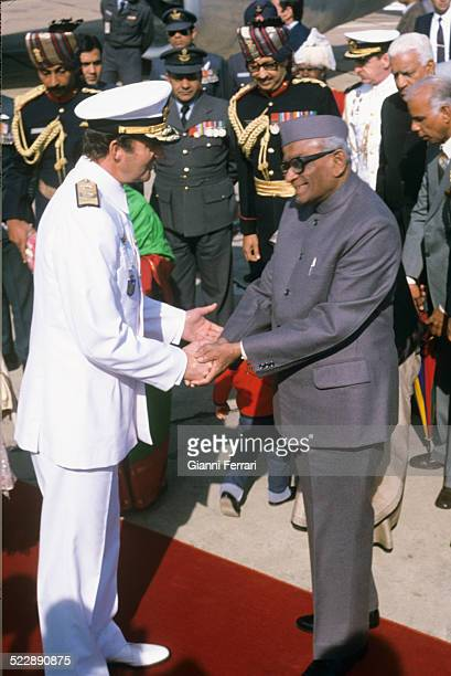 During his official trip to India the Spanish King Juan Carlos of Barbon is fired by the Indian President Neelam Sanjiva Reddy in his departure to...