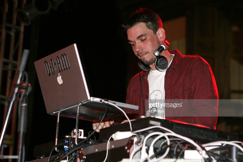 <a gi-track='captionPersonalityLinkClicked' href=/galleries/search?phrase=DJ+AM&family=editorial&specificpeople=208179 ng-click='$event.stopPropagation()'>DJ AM</a> during The Brent Shapiro Foundation for Drug Awareness Presents Sober Day USA 2007 in Los Angeles, California.