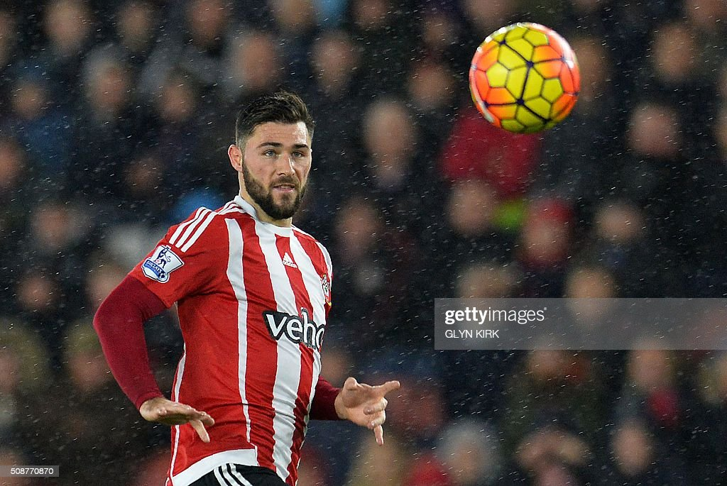 during the English Premier League football match between Southampton and West Ham United at St Mary's Stadium in Southampton, southern England on February 6, 2016. / AFP / GLYN KIRK / RESTRICTED TO EDITORIAL USE. No use with unauthorized audio, video, data, fixture lists, club/league logos or 'live' services. Online in-match use limited to 75 images, no video emulation. No use in betting, games or single club/league/player publications. /