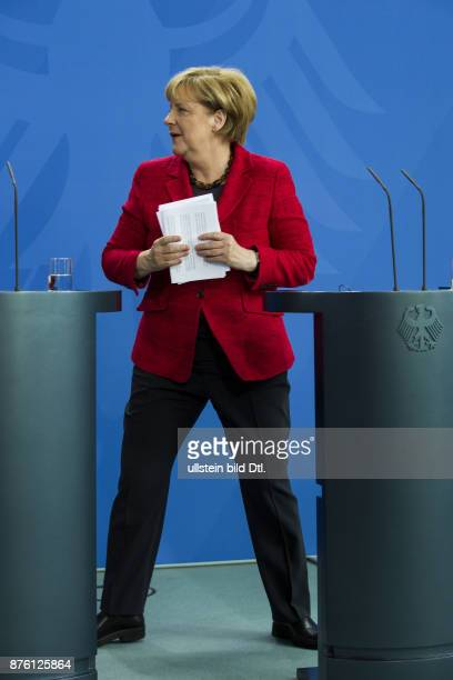 During the joint press conference by Chancellor Angela Merkel and the state president from Nigeria Muhammadu_Buhari on 14 October 2016 in Berlin he...