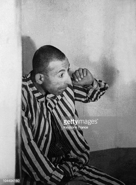 During the second world war in the Dachau concentration camp in Germany a deported person tries to protect himself against a scientific experiment...