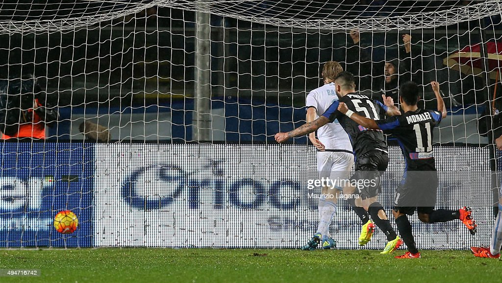 Dusan Basta of Lazio score an own goal during the Serie A match between Atalanta BC and SS Lazio at Stadio Atleti Azzurri d'Italia on October 28, 2015 in Bergamo, Italy.