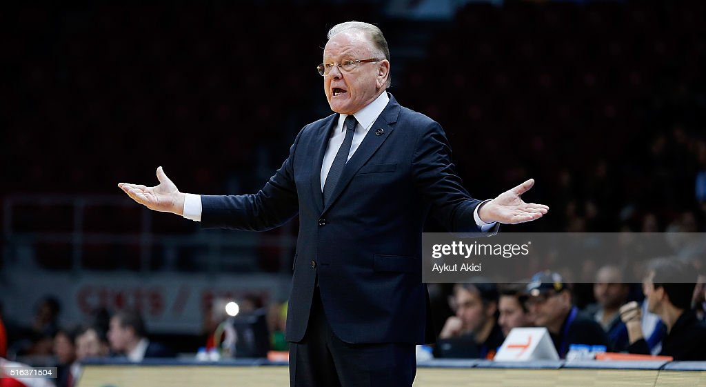 <a gi-track='captionPersonalityLinkClicked' href=/galleries/search?phrase=Dusan+Ivkovic&family=editorial&specificpeople=692169 ng-click='$event.stopPropagation()'>Dusan Ivkovic</a>, Head Coach of Anadolu Efes Istanbul reacts during the 2015-2016 Turkish Airlines Euroleague Basketball Top 16 Round 11 game between Anadolu Efes Istanbul v Cedevita Zagreb at Abdi Ipekci Arena on March 18, 2016 in Istanbul, Turkey.