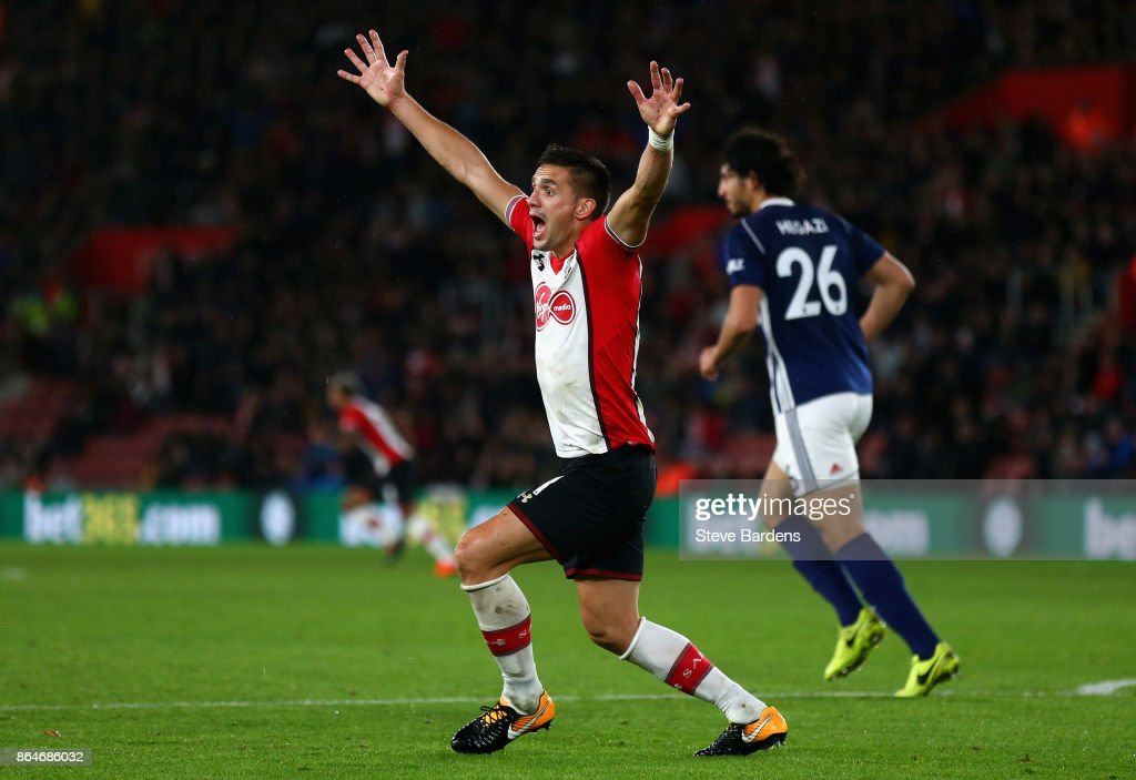 Dusan Tadic of Southampton appeals for penalty during the Premier League match between Southampton and West Bromwich Albion at St Mary's Stadium on October 21, 2017 in Southampton, England.
