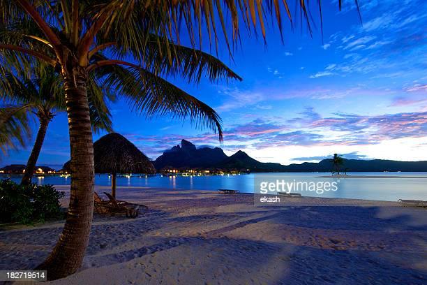 Crepuscolo in via di sistemazione a Bora Bora