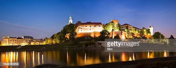 Do Anoitecer vista do Castelo Real e Catedral Wawel, Cracow, Polónia