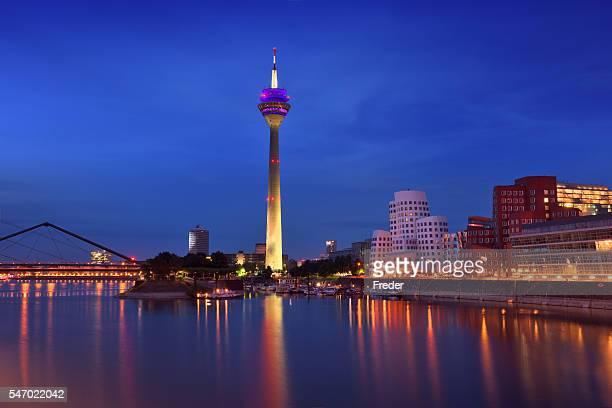 d sseldorf skyline stock fotos und bilder getty images. Black Bedroom Furniture Sets. Home Design Ideas