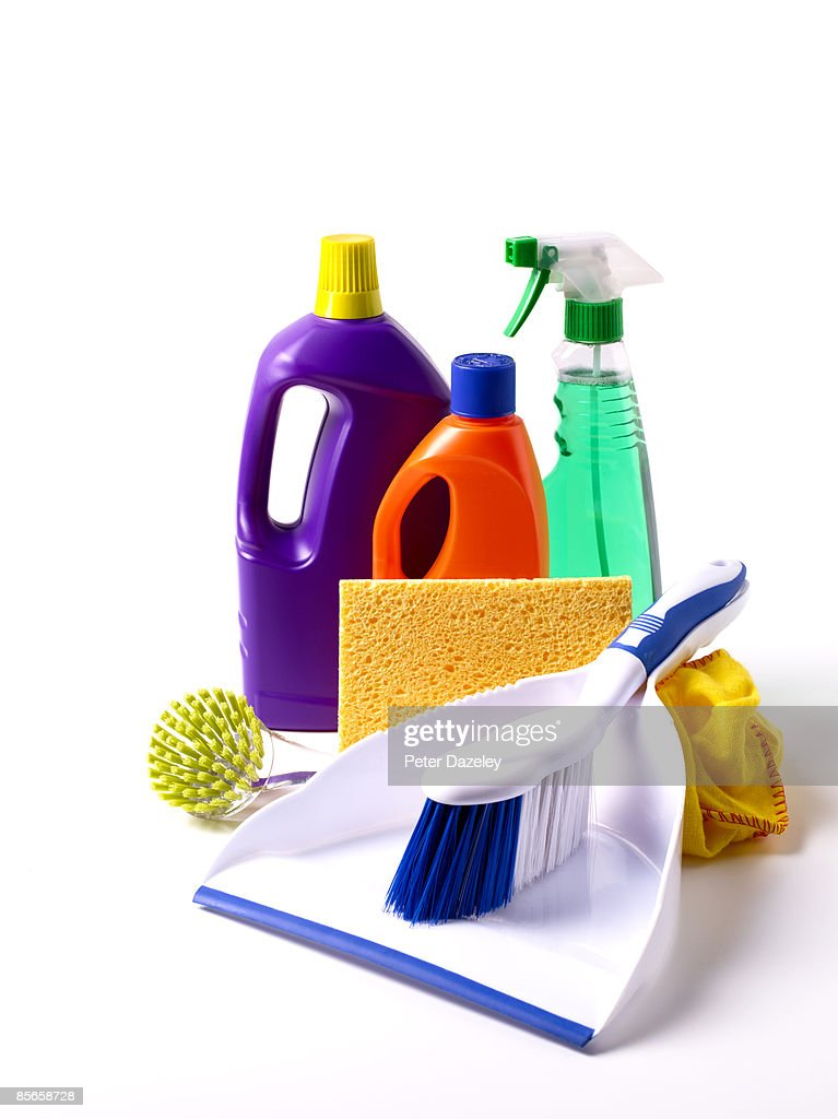 Dust pan and brush with cleaning materials : Stock Photo
