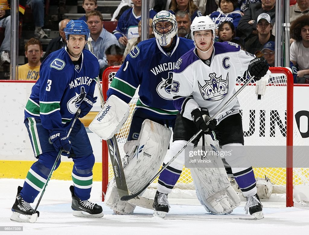 Los Angeles Kings v Vancouver Canucks - Game Two