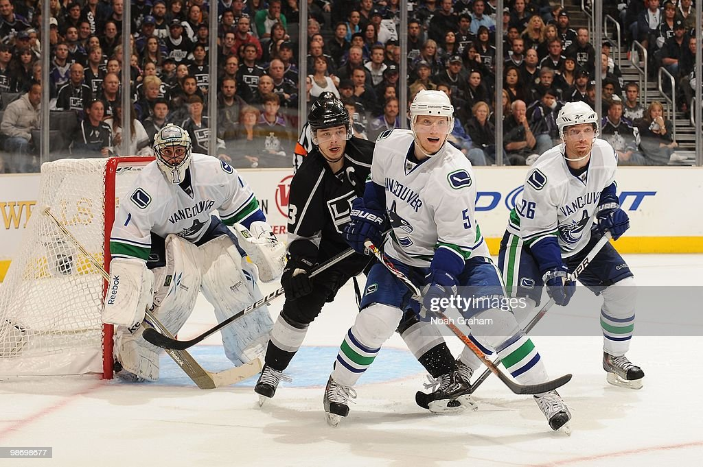 Vancouver Canucks v Los Angeles Kings - Game Six