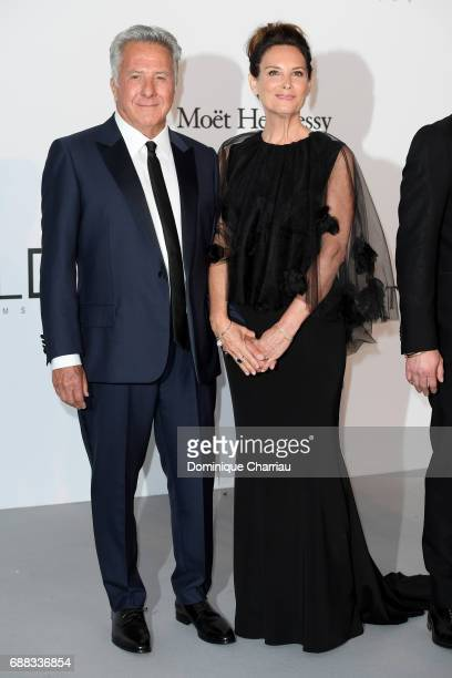 Dustin Hoffman and Lisa Hoffman arrive at the amfAR Gala Cannes 2017 at Hotel du CapEdenRoc on May 25 2017 in Cap d'Antibes France