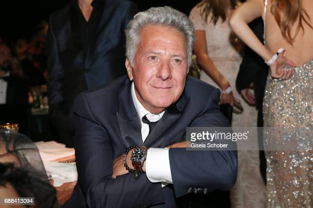 Dustin Hoffman attends the amfAR Gala Cannes 2017 at Hotel du CapEdenRoc on May 25 2017 in Cap d'Antibes France